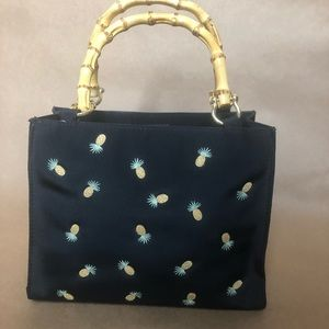 Black embroidered pineapple purse